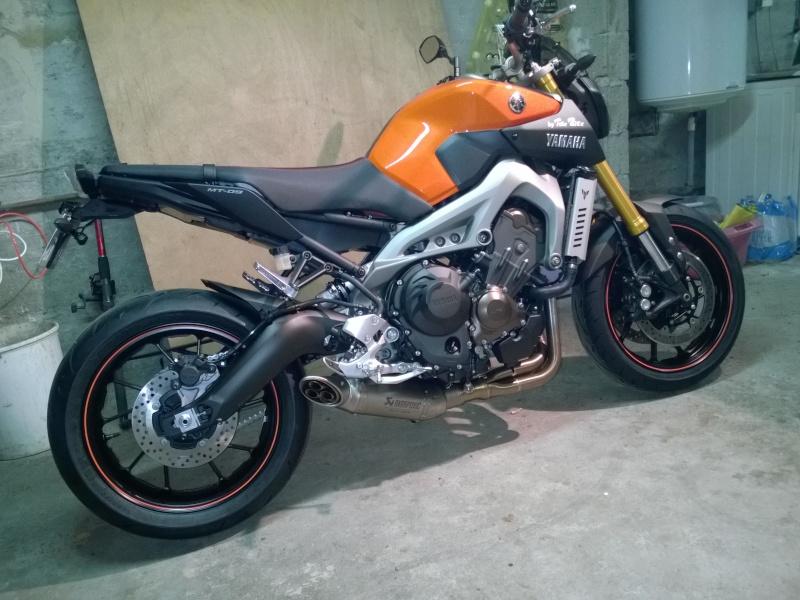 Ma orange Akra et selle SR. Wp_20114