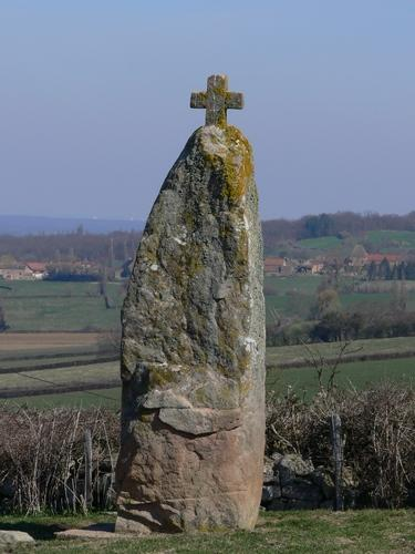 Le menhir de Nobles par Robert De Backer Menhir10