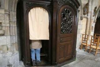 Le confessionnal : un lieu que les prêtres doivent habiter Topic20