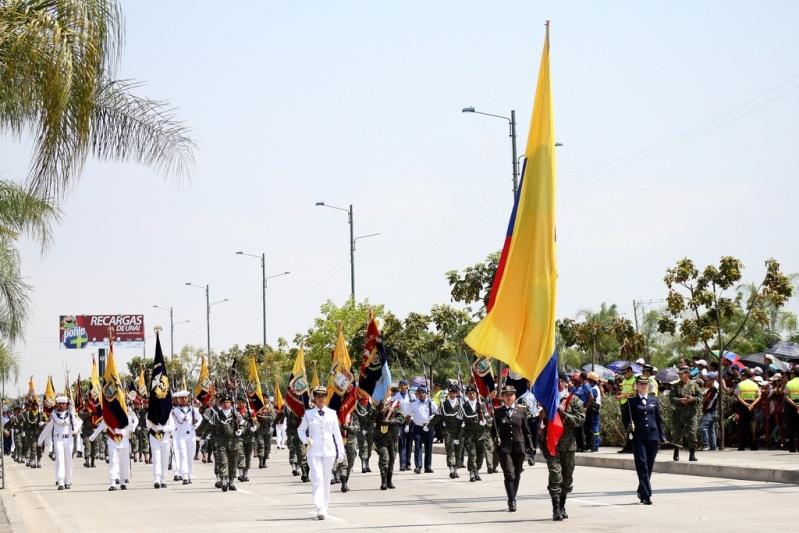 Armée Equatorienne/Fuerzas Armadas del Ecuador - Page 4 011