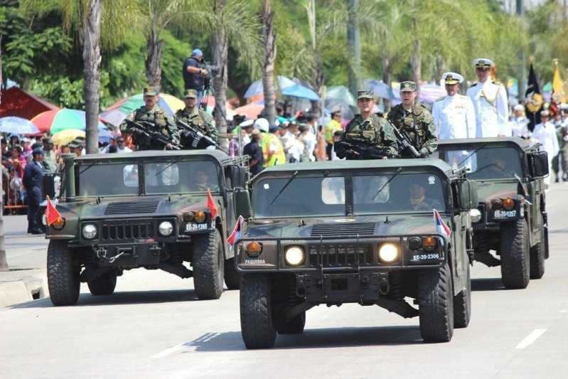 Armée Equatorienne/Fuerzas Armadas del Ecuador - Page 4 017