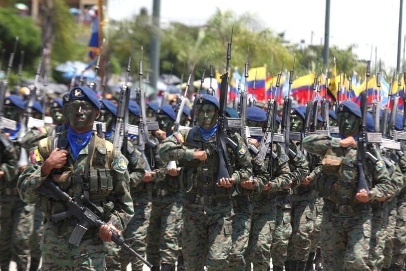 Armée Equatorienne/Fuerzas Armadas del Ecuador - Page 4 1014