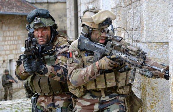 Armée Française / French Armed Forces - Page 38 1122