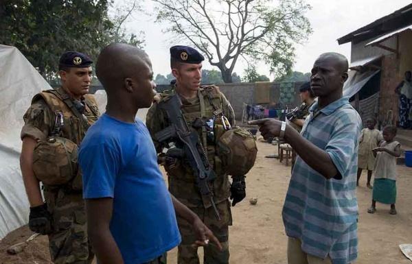 Intervention militaire en Centrafrique - Opération Sangaris - Page 2 1301