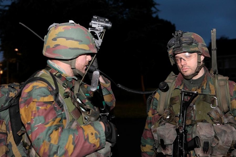 Armée Hollandaise/Armed forces of the Netherlands/Nederlandse krijgsmacht - Page 15 14140