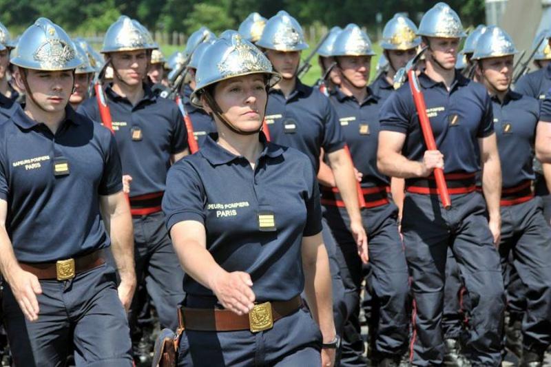 soldates du monde en photos - Page 7 15104