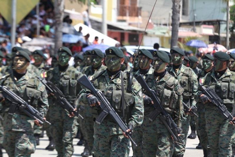Armée Equatorienne/Fuerzas Armadas del Ecuador - Page 4 1513
