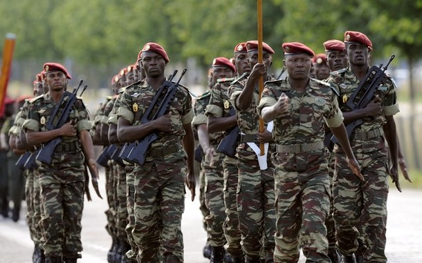 Forces Armées Camerounaises - Page 2 1a22