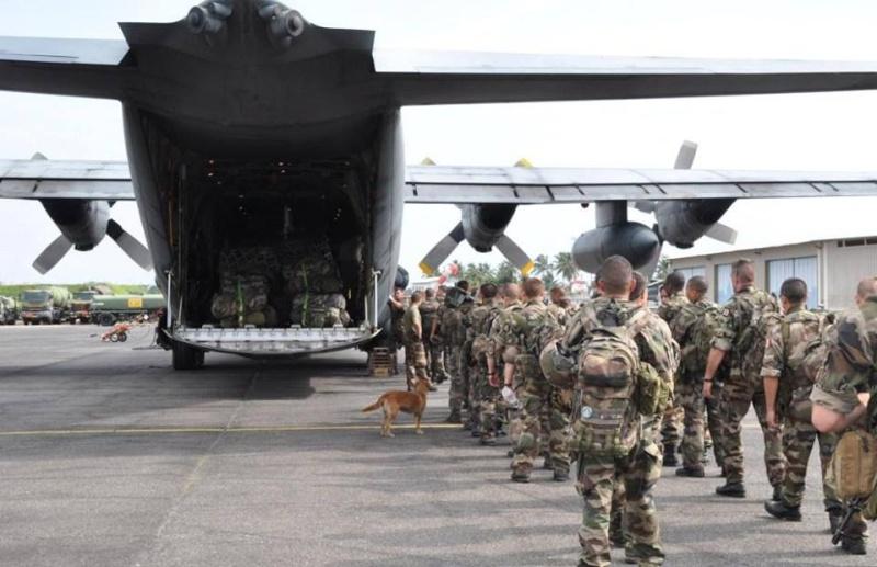 Intervention militaire en Centrafrique - Opération Sangaris - Page 2 2184