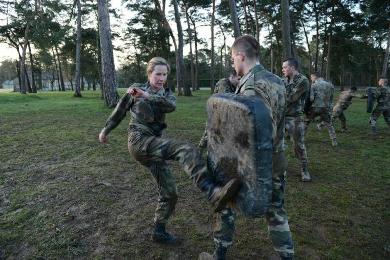 soldates du monde en photos - Page 7 2466