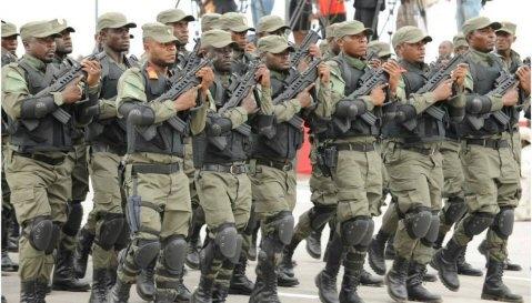 Armée de la guinée équatoriele - Page 2 254