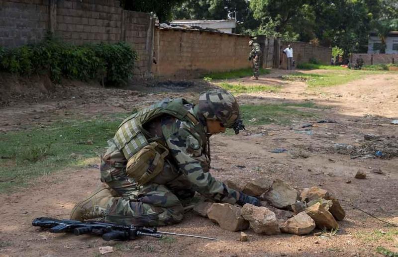 Intervention militaire en Centrafrique - Opération Sangaris - Page 2 3150