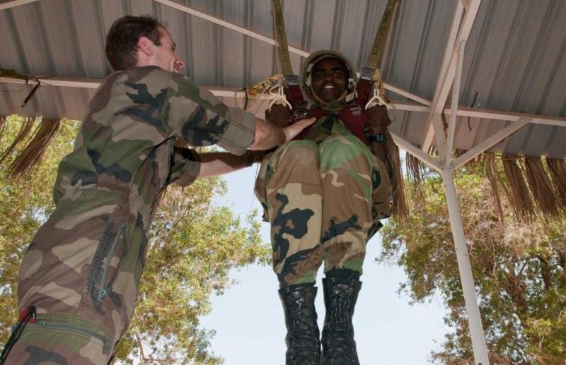 Armée djiboutienne / Djibouti National Army - Page 2 3305