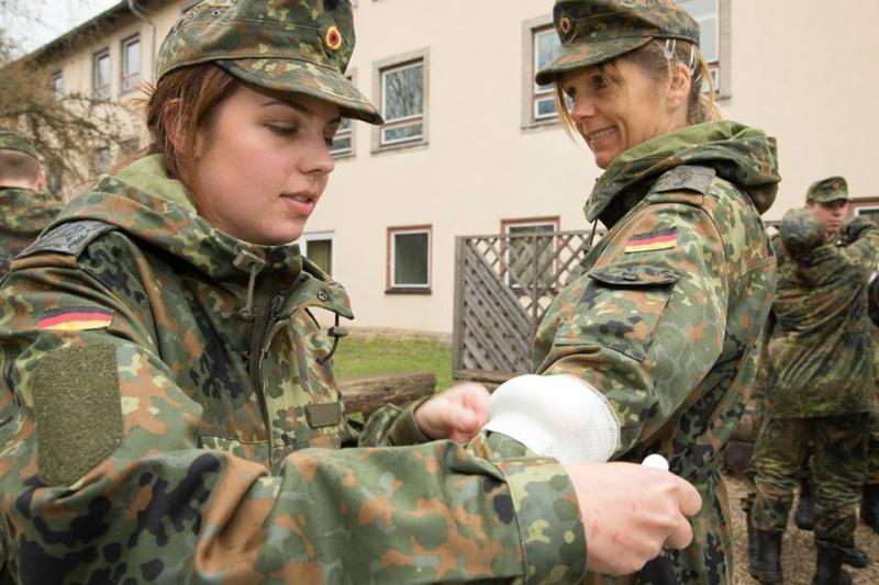 soldates du monde en photos - Page 7 3376