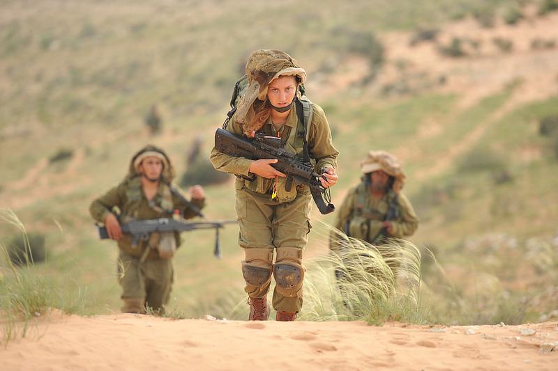 soldates du monde en photos - Page 7 3437