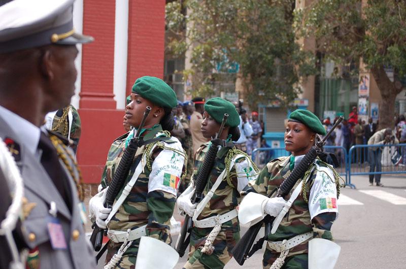 soldates du monde en photos - Page 7 3710