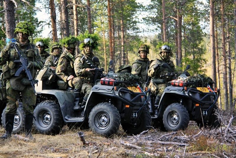 Armée Finlandaise / Finnish Defence Forces / puolustusvoimat - Page 5 392
