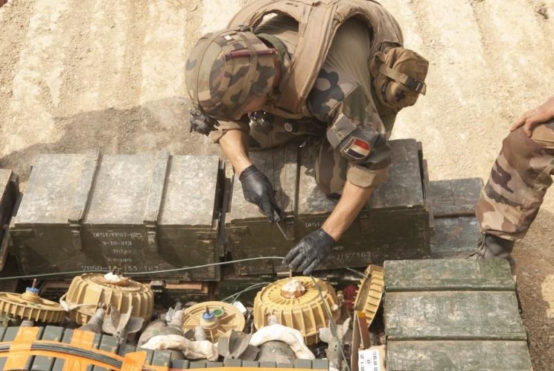 Intervention militaire en Centrafrique - Opération Sangaris - Page 6 4208
