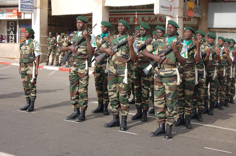 soldates du monde en photos - Page 7 5287