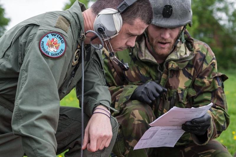 Armée Hollandaise/Armed forces of the Netherlands/Nederlandse krijgsmacht - Page 15 5351