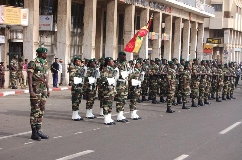 soldates du monde en photos - Page 7 8149