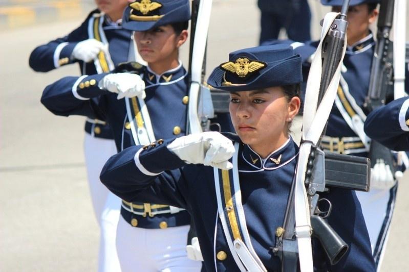 Armée Equatorienne/Fuerzas Armadas del Ecuador - Page 4 816