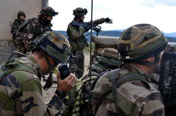 Armée Française / French Armed Forces - Page 38 927