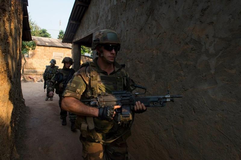 Intervention militaire en Centrafrique - Opération Sangaris - Page 2 946