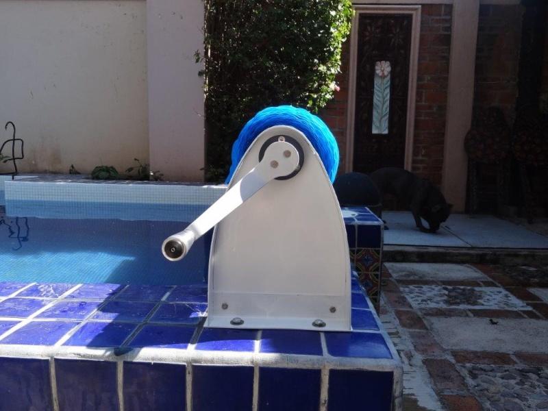 Custom made Pool Cover Reel Dsc04811