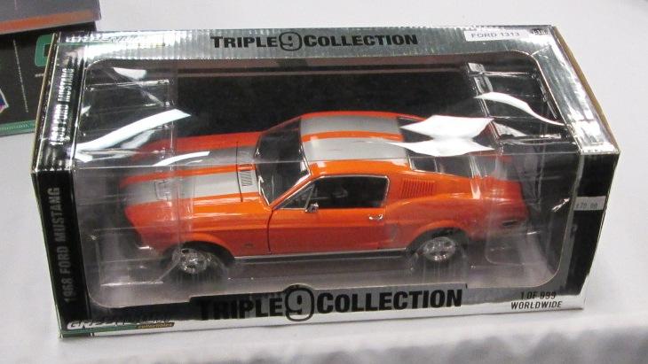 Mustangs 1968 à l'échelle 1:18  2014_010