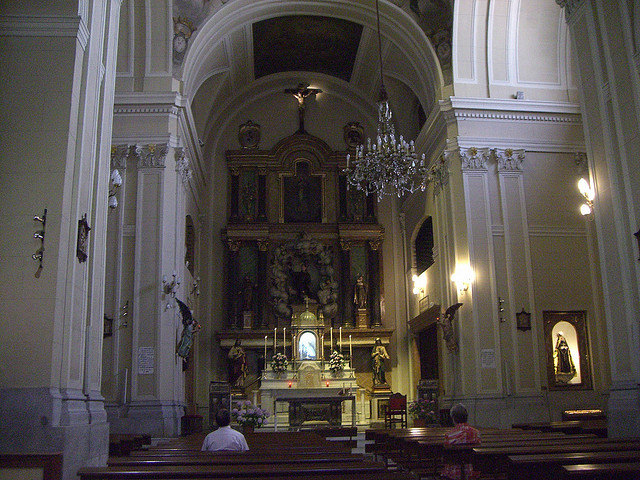 Dos iglesias cercanas en el Barrio de Justicia: San Pascual Bailón y Santa Bárbara  26564810
