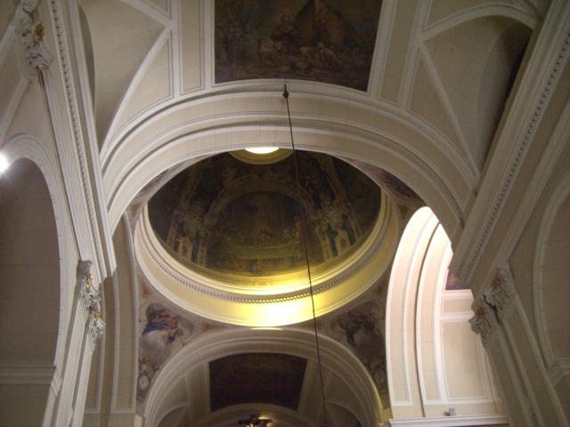 Dos iglesias cercanas en el Barrio de Justicia: San Pascual Bailón y Santa Bárbara  26573111