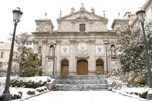 Dos iglesias cercanas en el Barrio de Justicia: San Pascual Bailón y Santa Bárbara  Fachne10