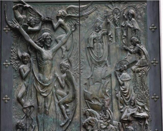 Relojes, campanas y las puertas de La Almudena Histor10