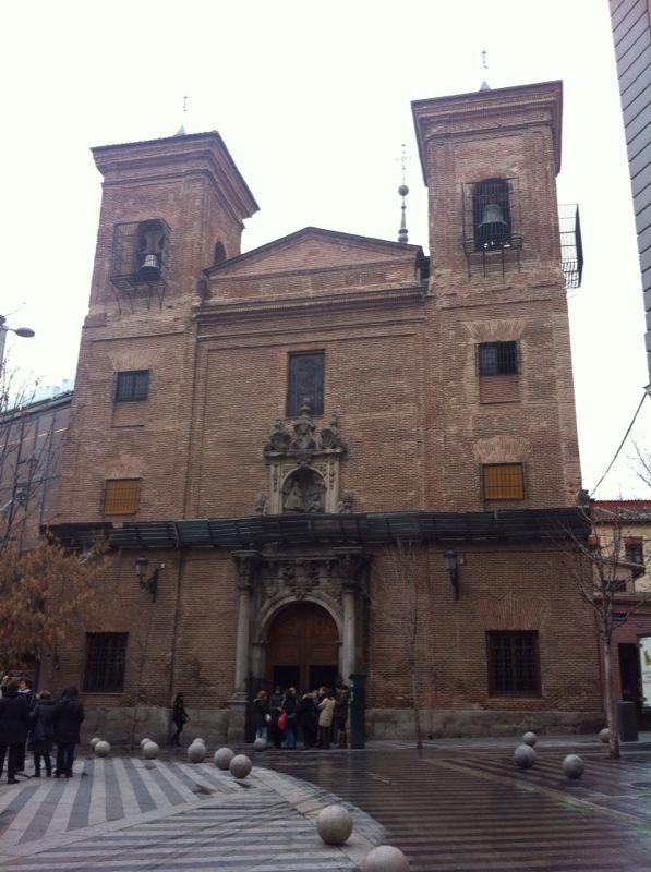 Tres iglesias cercanas a la Gran Vía Img-2011