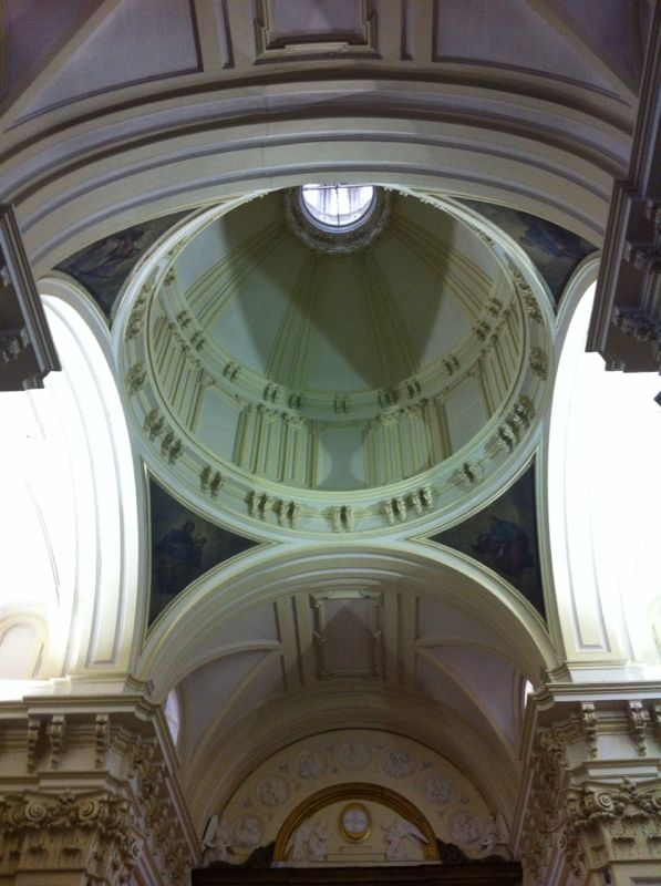 Tres iglesias cercanas a la Gran Vía Img-2014