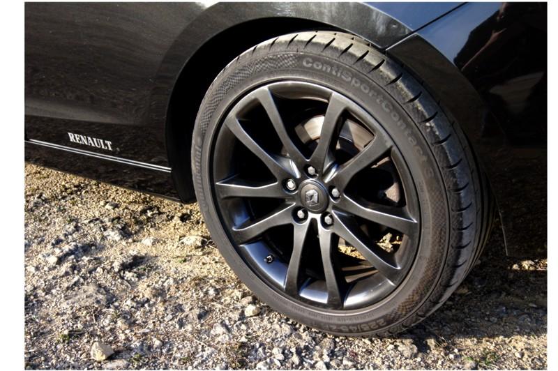 [Crapaud55]  Laguna III Coupé V6 essence 240 CV 4RD - Page 5 Dsc01423