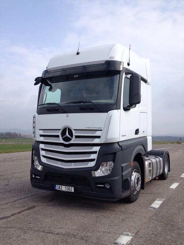 Mercedes-Benz rilascia la licenza alla SCS Software. Ora sono tre i camion in cantiere per ETS2! 23wjmt10