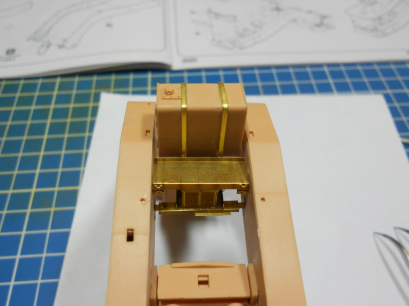 M1070 & M1000 Hobby Boss + photo-découpe E.T. Model 1/35  Dscn2434
