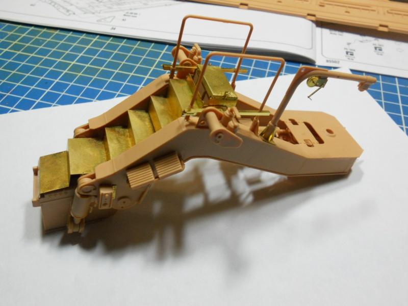 M1070 & M1000 Hobby Boss + photo-découpe E.T. Model 1/35  Dscn2436
