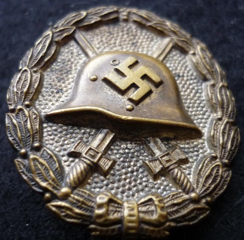 badge des blessés P1070345
