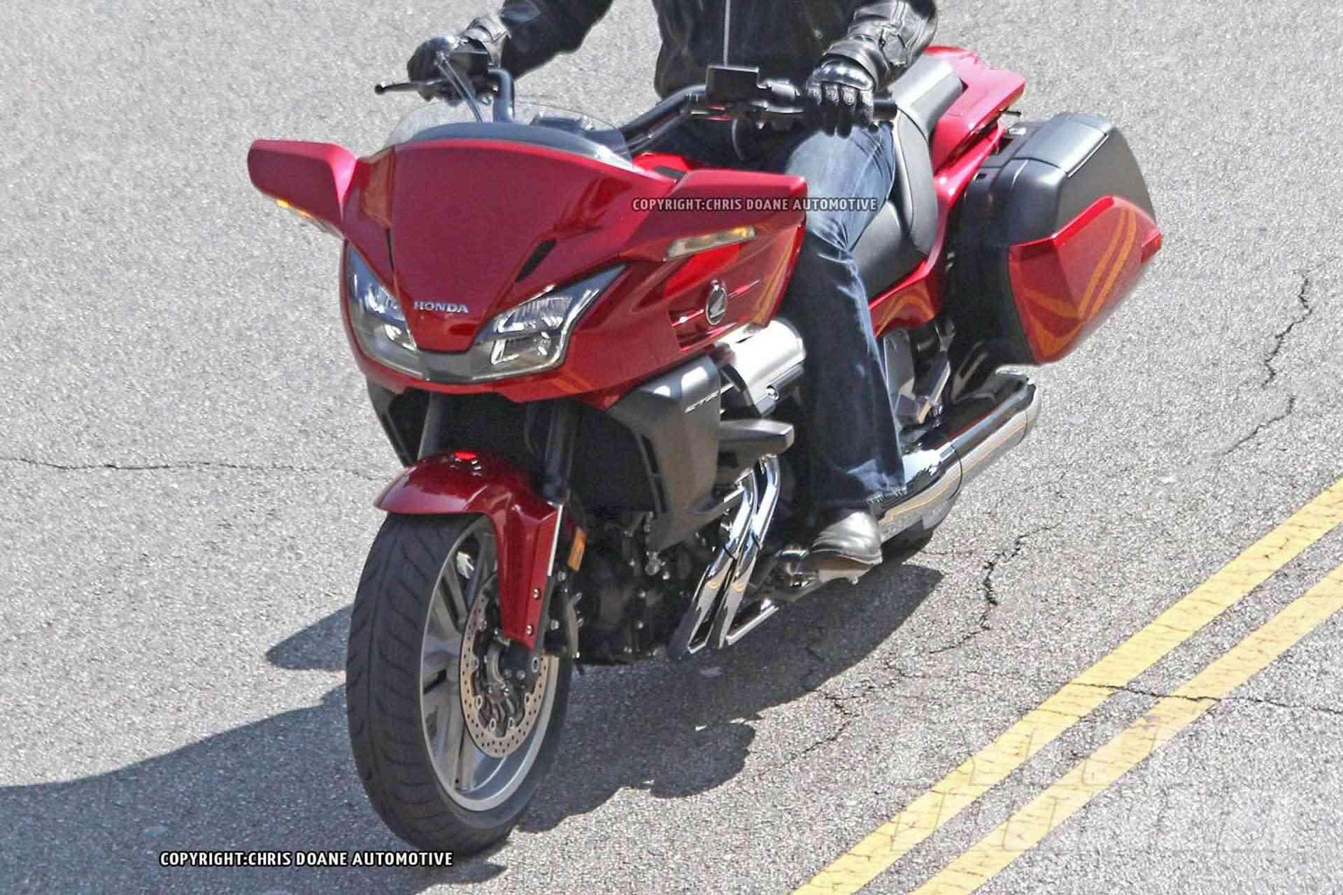 2014 Honda CTX1300 2014-h14