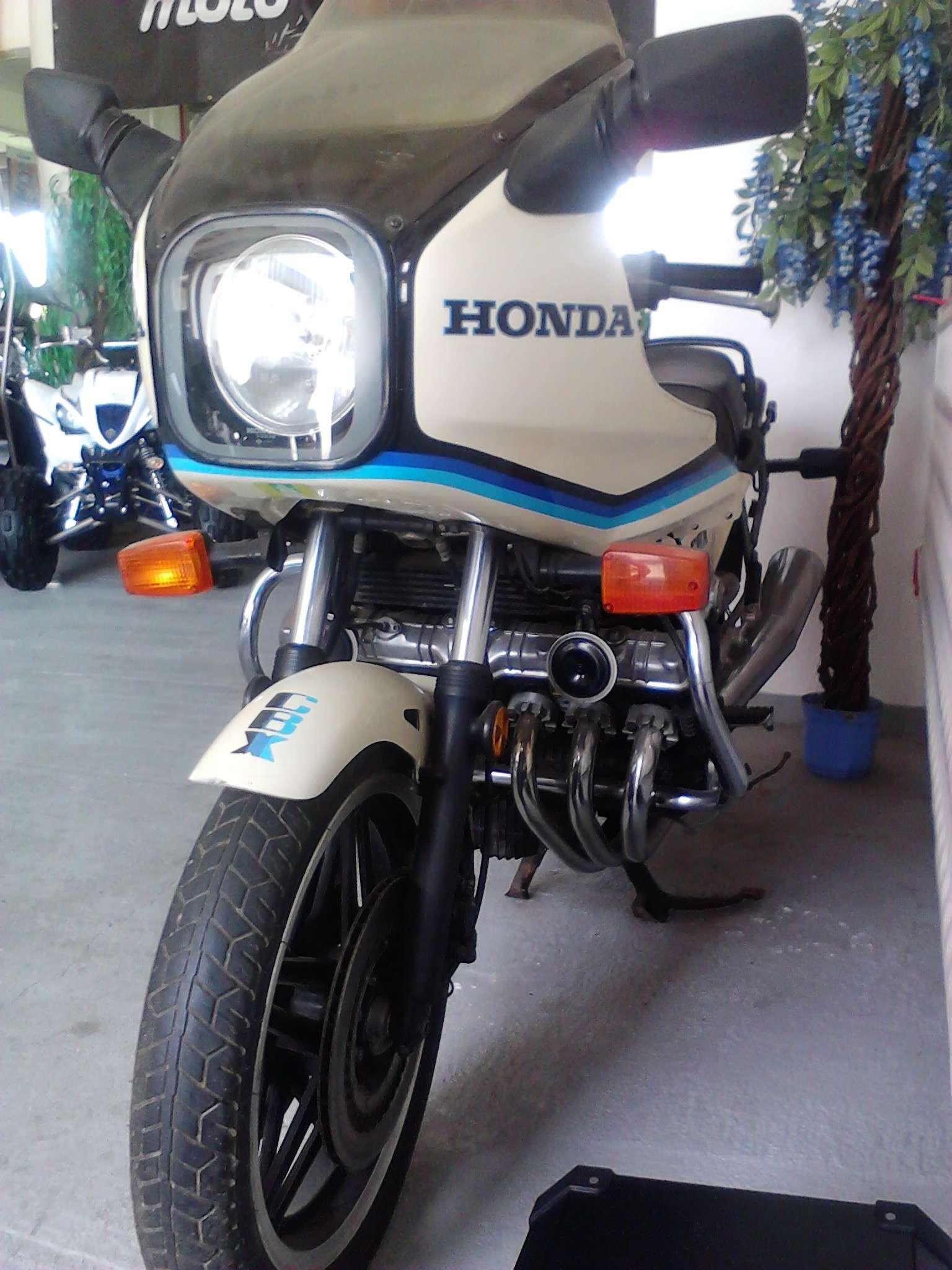 παρακαλω τη HONDA να τη ξανακατασκευασει Img_2012