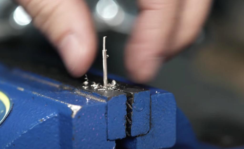 Quel est cet outil pour réduire le diamètre d'un fil Captur11