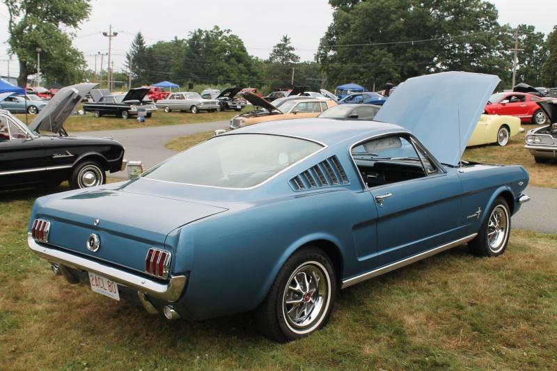 MUSTANG 50 ans çà se fête Ford-m12