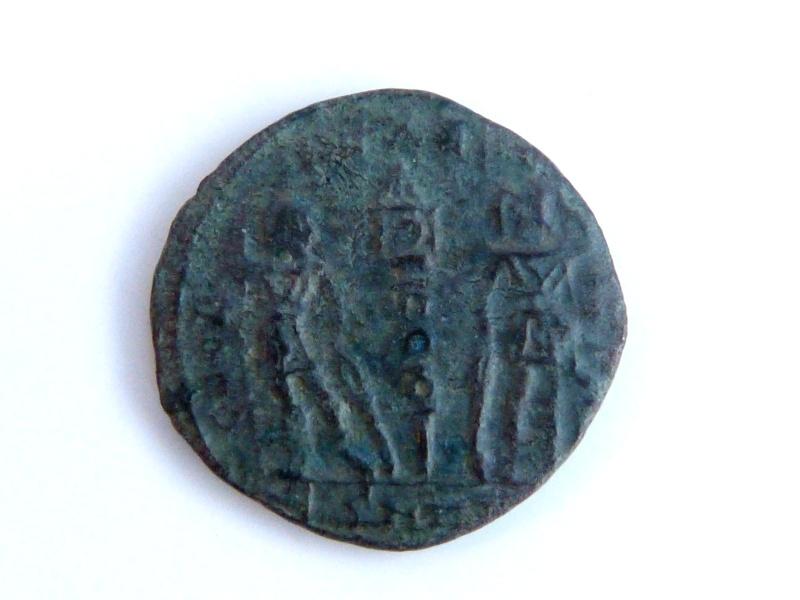 Nummus Constantin II Thessalonique + aurelianus Claude II P1050025