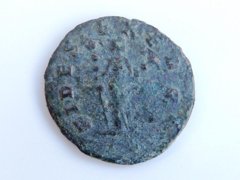 Nummus Constantin II Thessalonique + aurelianus Claude II P1050027