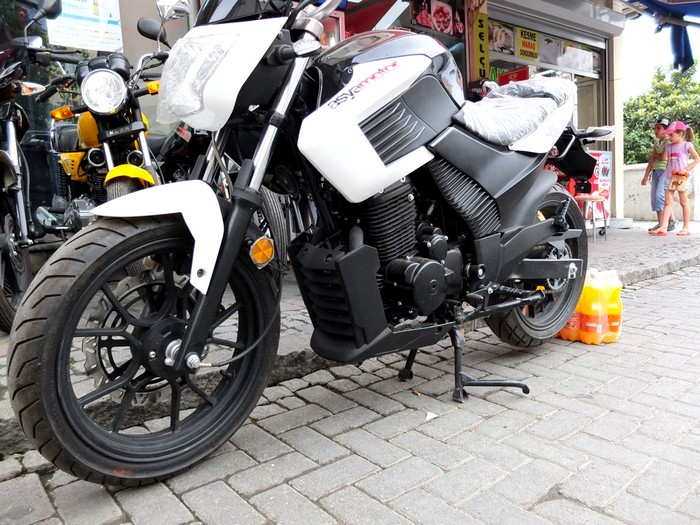 La moto en Turquie Dscf0613