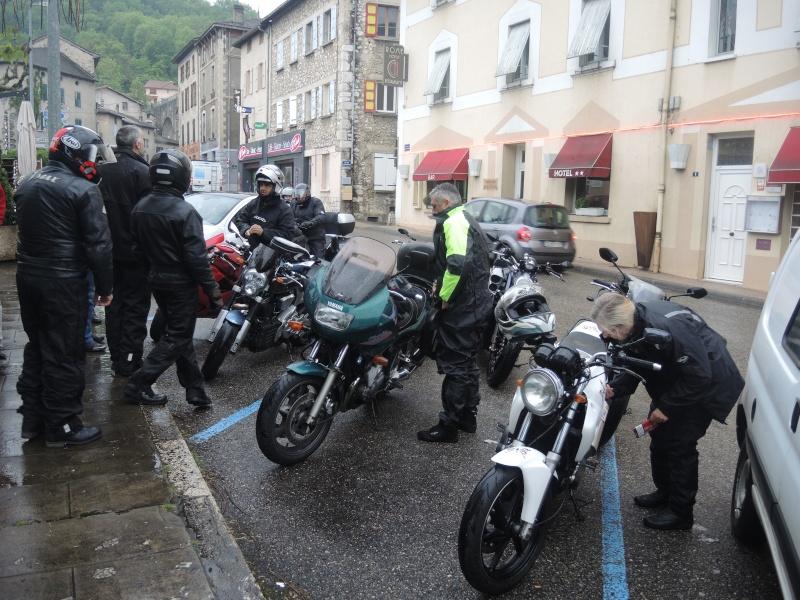 Rencard et ballade en Rhône-Alpes les 2, 3 et 4 mai - Page 4 Dscn0836