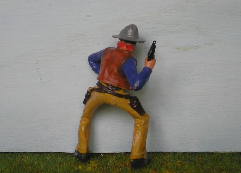 Bemalungen, Umbauten, Modellierungen - neue Cowboys für meine Dioramen 180o4b10